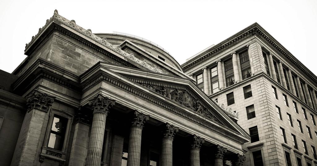 Big Banks Navigate the Booming Private Market